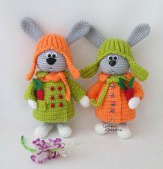 Nota: Este es un patrón solamente y no el juguete terminado!  Crochet patrones de Larisa Kostyleva  MATERIALES y herramientas que necesitará:  -cualquier hilo en gris, naranja, verdes y blancos colores claros (utilicé hilo acrílico 100%, 100 g/300 m); -coincidencia gancho de ganchillo (yo usé 1,75 mm); -alambre-el diámetro y la cantidad depende del tamaño de tu juguete-usé aproximadamente 50 cm (19,7 pulgadas) de alambre de 1,5 mm de diámetro; -un par de granos mitad negros para los ojos...