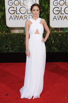 Emily Blunt's Golden Globes #dress is perfect to use as inspiration for a #beachwedding. | via The Styled Bride
