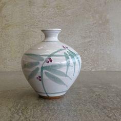 Jan Bainbridge-Perry Pottery. Bainbridge Island, Eumundi QLD Australia. 1980's to early 1990's. Australian Studio Pottery