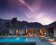 Christie Residence / Architect: James Schmidt Location: Palm Springs, CA / photo by Chimay Bleue Mid Century Decor, Mid Century House, Modern Ranch, Mid-century Modern, Modern Homes, Modern Exterior, Exterior Design, Palm Springs Style, Desert Homes