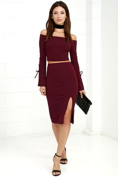 Playing it safe was so last season, branch out in the Bold Move Burgundy Off-the-Shoulder Two-Piece Dress! Stretchy woven rayon forms an off-the-shoulder crop top with long flared sleeves (with ties), plus a matching high-waisted bodycon skirt with an elasticized waist and side slit.