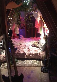 Room Design Bedroom, Room Ideas Bedroom, Bedroom Decor, Bedroom Inspo, Indie Room Decor, Cute Room Decor, Chill Room, Cozy Room, Hippy Room