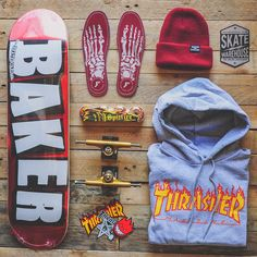 Skate board outfit here's how to wear the trend. Skateboard Outfits, Skateboard Deck Art, Skateboard Design, Skateboard Clothing, Santa Cruz Skateboards, Cool Skateboards, Baker Skateboards, Thrasher Outfit, Skater Outfits