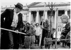 7000 Oaks, Documenta 7, 1982