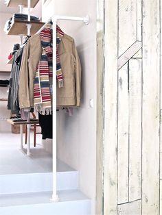 [CREATE] Pipe clothing rack made with Kee Klamp fittings. Pipe Closet, Walk In Closet, Plumbing Pipe Furniture, Diy Pipe, Closet System, New Room, Magazine Design, Wardrobe Rack, Wardrobe Storage