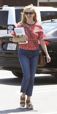 Reese Witherspoon's Best Street Style Looks | InStyle.com