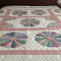 Beautiful Handmade Quilts | ... about Handmade quilt~Dresden Plate pattern~Full size~Beautiful