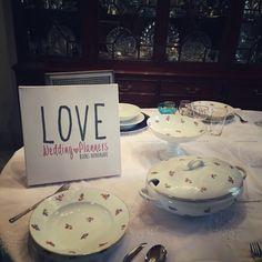 ...que festín, que festín, un banquete de postín...  En San José,25 se está tramando algo...esta tarde hablaremos de ceremonial y protocolo en la mesa...en un ratito os contamos más...¡seguimos al lío!  ¿Cómo va vuestro lunes?  Ali LOVE #yosoyLover #love #amor #protocolo #navidad #christmas #christmastree #deco #design #diseño #destinationwedding #wedding #white #weddingplanner #weddingplannerCádiz #Cádiz #happy #healthy #handmade #feliz #Fitur #flowers #blog #boda #bodasbonitas #inlove…