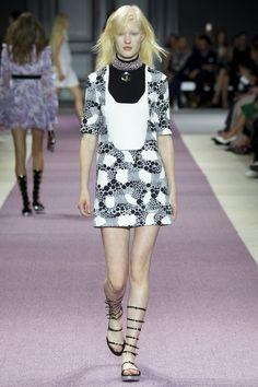 Giambattista Valli   Spring 2016 Ready-to-Wear   22 Monochrome printed short sleeve mini dress