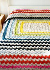 Giant, Giant Granny Square Blanket - The Purl Bee - Knitting Crochet Sewing Embroidery Crafts Patterns and Ideas!-Because everyone needs a granny square blanket! Crochet Afghans, Motifs Afghans, Crochet Motifs, Crochet Granny, Crochet Patterns, Crochet Blankets, Crochet Bedspread, Blanket Patterns, Crochet Cushions