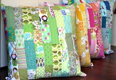 Scrappy Patchwork Floor Pillows are Fun to Make - Quilting Digest Patchwork Cushion, Quilted Pillow, Quilting Projects, Sewing Projects, Quilt Pillow Case, Pillow Inspiration, Pillow Tutorial, Small Pillows, Decorative Pillows