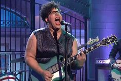 "Roots rockers perform ""Don't Wanna Fight"" and ""Gimme All Your Love"". SNL"