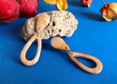 Pendientes lágrima oro, pequeños y originales de Garre Design. Etsy, Earrings, Big Earrings, Earrings Handmade, Gifts For Women, Latest Fashion Trends, Polymer Clay, Originals, Gold