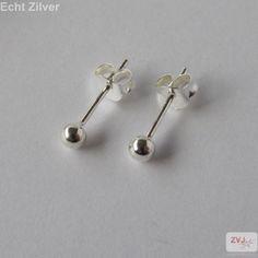 Zilveren kleine oorknopjes 3 mm balletjes