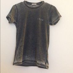199X Top Brandy Melville NWOT  Brandy Melville Tops Tees - Short Sleeve