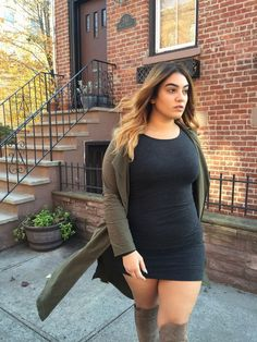 Every girl's dream is having adorable and fashionable looks. Even plus size women are not an exception. Curvy women don't […] Autumn Look, Fall Looks, Curvy Outfits, Mode Outfits, Fall Outfits, Fashion Outfits, Fashion Fashion, Autumn Fashion, Fashion Trends