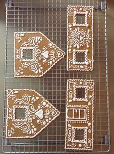 #gingerbread #didn39t #didnt #house #icing #royal #make #iced #with #the #butGINGERBREAD HOUSE // iced with royal icing - didn't make the gingerbread but... -