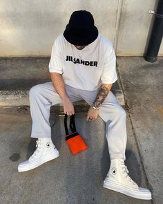 Casual Wear For Men, Stylish Mens Outfits, Casual Outfits, Moda Streetwear, Streetwear Brands, Rapper Outfits, Cool Vintage, Vintage Outfits, Moda Blog
