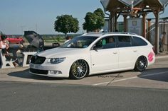 Skoda Superb Low