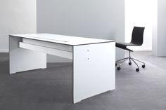 Biurko Riva Office - idealne do wielogodzinnej pracy.