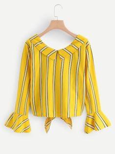 Swans Style is the top online fashion store for women. Classy Outfits, Stylish Outfits, Cute Outfits, Crop Top Designs, Blouse Designs, Look Fashion, Fashion Outfits, Yellow Clothes, Lovely Dresses
