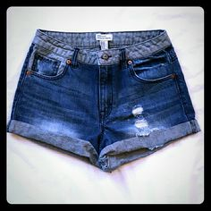 💕FLASH SALE💕 Forever 21 Premium Denim Shorts Forever 21 Premium Denim Shorts in Great Condition. Forever 21 Shorts