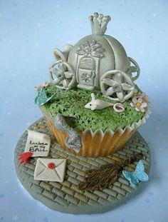 cute cinderlla cupcake