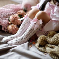 #kidsocks #childrenfashion #girlstyle #boystyle #babystyle #newborn #kidsaccesories #toddler #sosete #ciorapi   Sosete inalte roz, din tricot, cu fundita laterala.  Produs fabricat in Spania. 100% bumbac Little Rose, Fashion, Tricot, Moda, Fasion