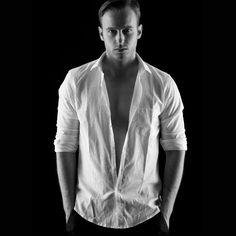 Cantare di sesso senza rinunciare a essere chic, Immanuel Casto lo fa al Padova Pride Village con il 'Porn Groove'