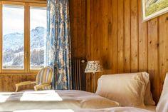 Die schönsten und speziellsten Schweizer Hotels, Herbergen und Hütten Bed & Breakfast, Das Hotel, Hotels, Curtains, Home Decor, Forest House, Double Room, Swiss Guard, Hiking
