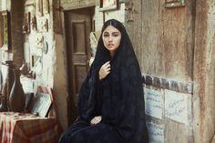 Girl in Shiraz in Iran. from The Atlas of Beauty Mihaela Noroc I am so proud to say that she is my countrywoman. Iranian Beauty, Muslim Beauty, Turkish Beauty, Iranian Art, Iraqi Women, Persian Beauties, Shiraz Iran, Persian Girls, Persian People