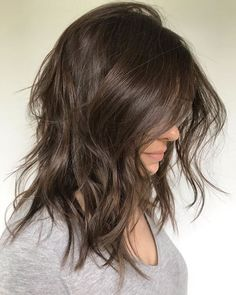 50 Medium Haircuts for Women That'll Be Huge in 2020 - Hair Adviser Inverted Hairstyles, Haircuts For Wavy Hair, Cute Hairstyles For Medium Hair, Curly Hair Cuts, Medium Hair Cuts, Curly Hair Styles, Shaggy Medium Hair, Women's Haircuts Medium, Messy Medium Hair