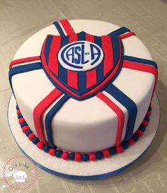 san lorenzo cake Birthday Parties, Birthday Cake, Pan Dulce, Party Cakes, Boyfriend Gifts, Cooking Recipes, Cupcakes, Desserts, Food