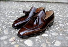 Patina   This tassel loafer by Roman bespoke shoemakers Bocache & Salvucci is a perfect example of how beautiful a properly antiqued shoe can look.