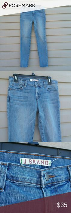 J brand Santorini skinny leg jeans Excellent used condition J brand skinny jeans Santorini skinny leg size 28 Waist is 15.5 in. Laying flat  Leg inseam is 29 in. J Brand Jeans Skinny