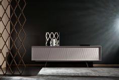 De e-klipse 003 is een stijlvol dressoir van Al2. Met een speels reliëf in de deurtjes. Er zit een mooie lijn in de vorm van de deurtjes en de poten van het dressoir. Table Furniture, Furniture Design, Dense Fog, Sideboard Cabinet, Elegant, Retro, Design Projects, Designer, Shelves