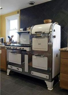 I'm not so good in the kitchen but this stove would be awesome to have!
