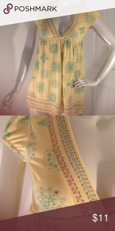 LOLA BABYDOLL STYLE BLOUSE This is a preloved in used condition but still enough life left in it for someone else to enjoy it there is some piling on the blouse but in good wearable condition very pretty the brand is Lola an Anthropologie brand Anthropologie Tops Blouses