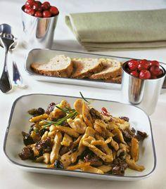 Straccetti di tacchino con pomodori secchi e olive
