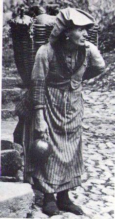 Italian Vintage Photographs ~ #Italy #Italian #vintage #photographs #family #history #culture ~ Donna carnica 1920 Attilio Brisighelli