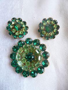 AMAZING Vintage KRAMER N Y Brooch Pin Earrings Set Emerald Green SIGNED Jewelry #KramerNewYork