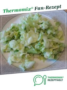 Eisbergsalat mit Gurke - Thermomix Salate - Eisbergsalat mit Gurke Iceberg salad with cucumber by candle lover. A Thermomix ® recipe from the starters / salads category at www.de, the Thermomix ® community. Salad Recipes Healthy Lunch, Salad Recipes For Dinner, Chicken Salad Recipes, Easy Healthy Recipes, Cucumber Recipes, Iceberg Salad, Salads For A Crowd, Easy Salads, Appetizer Recipes