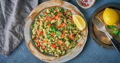 A Közel-kelet népszerű salátának és köretnek is fogyasztható étele. Vegán, gluténmentesen is elkészíthető. Frissítő, citromos tabbuoleh (tabulé) recept.