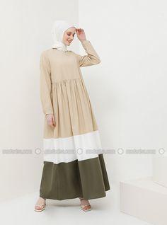 The perfect addition to any Muslimah outfit, shop Benin's stylish Muslim fashion Minc - Crew neck - Unlined - Viscose - Dress. Abaya Fashion, Modest Fashion, Indian Fashion, Fashion Dresses, Moslem Fashion, Abaya Designs, Viscose Dress, Hijab Fashion Inspiration, Dress Indian Style