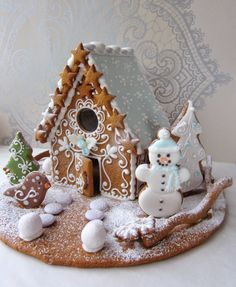 A gingerbread house is sooo adorable and pretty! But these incredible ones take gingerbread houses to the next level! Cool Gingerbread Houses, Gingerbread House Designs, Christmas Gingerbread House, Christmas Sweets, Christmas Goodies, Christmas Baking, Gingerbread Cookies, Christmas Time, Christmas Decorations