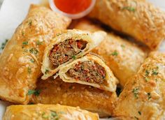 Diner Recipes, Snack Recipes, Vegetarian Recipes, Cooking Recipes, Savory Snacks, Yummy Snacks, Yummy Food, Best Sausage Roll Recipe, My Favorite Food