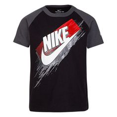 Light up his looks with this boys' Nike raglan graphic tee. New T Shirt Design, Shirt Print Design, Tee Shirt Designs, Mens Polo T Shirts, Tee Shirts, Camisa Nike, Cool Shirts For Girls, Nike Clothes Mens, College Shirts