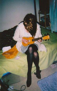 I'd like to learn how to play the ukulele...