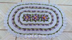 Tapete oval em crochê com flores-Modelo primavera <br> <br>Confeccionado com barbante de excelente qualidade! <br> <br>Poderá ser feito na cor de sua preferencia!