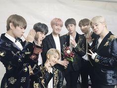 BTS ♥╣[*3*]╠♥ Momento + do que ESPECIAL para os nossos Hyungs!